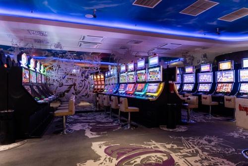 Jocuri casino pe bani reali - jocuri ca la aparate cu speciale